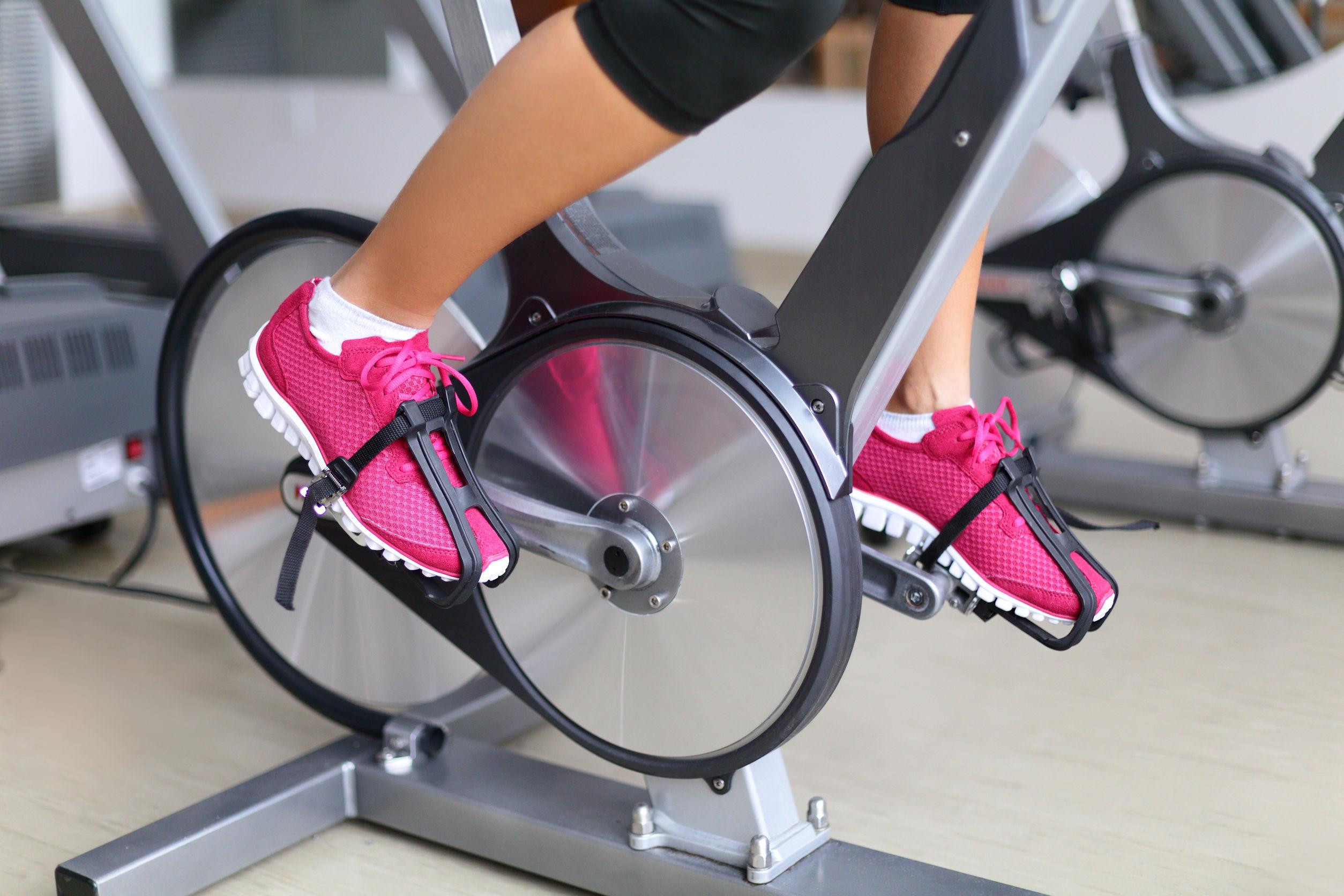 cardio en bicicleta de spinning