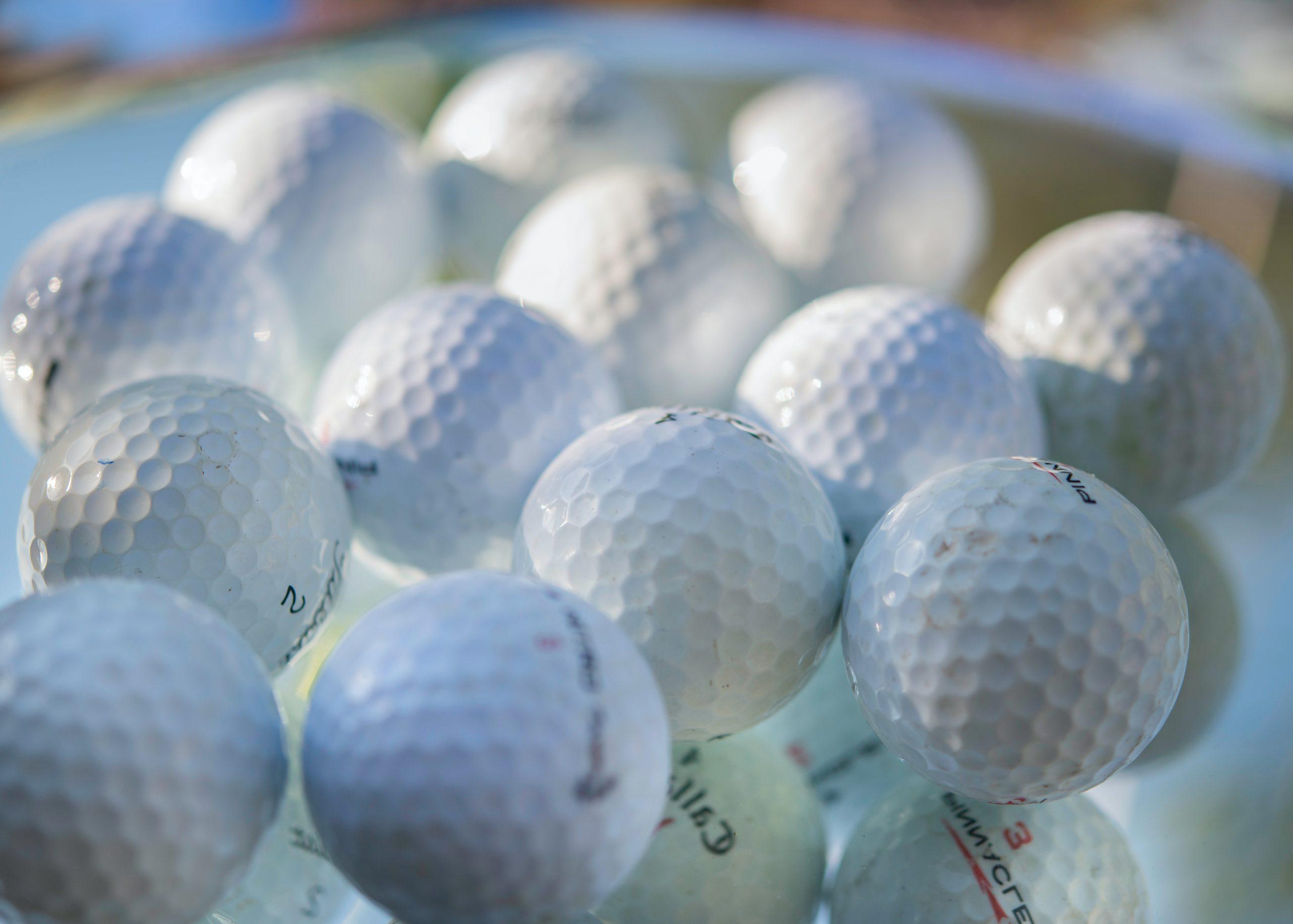 Imagen de varias bolas de golf