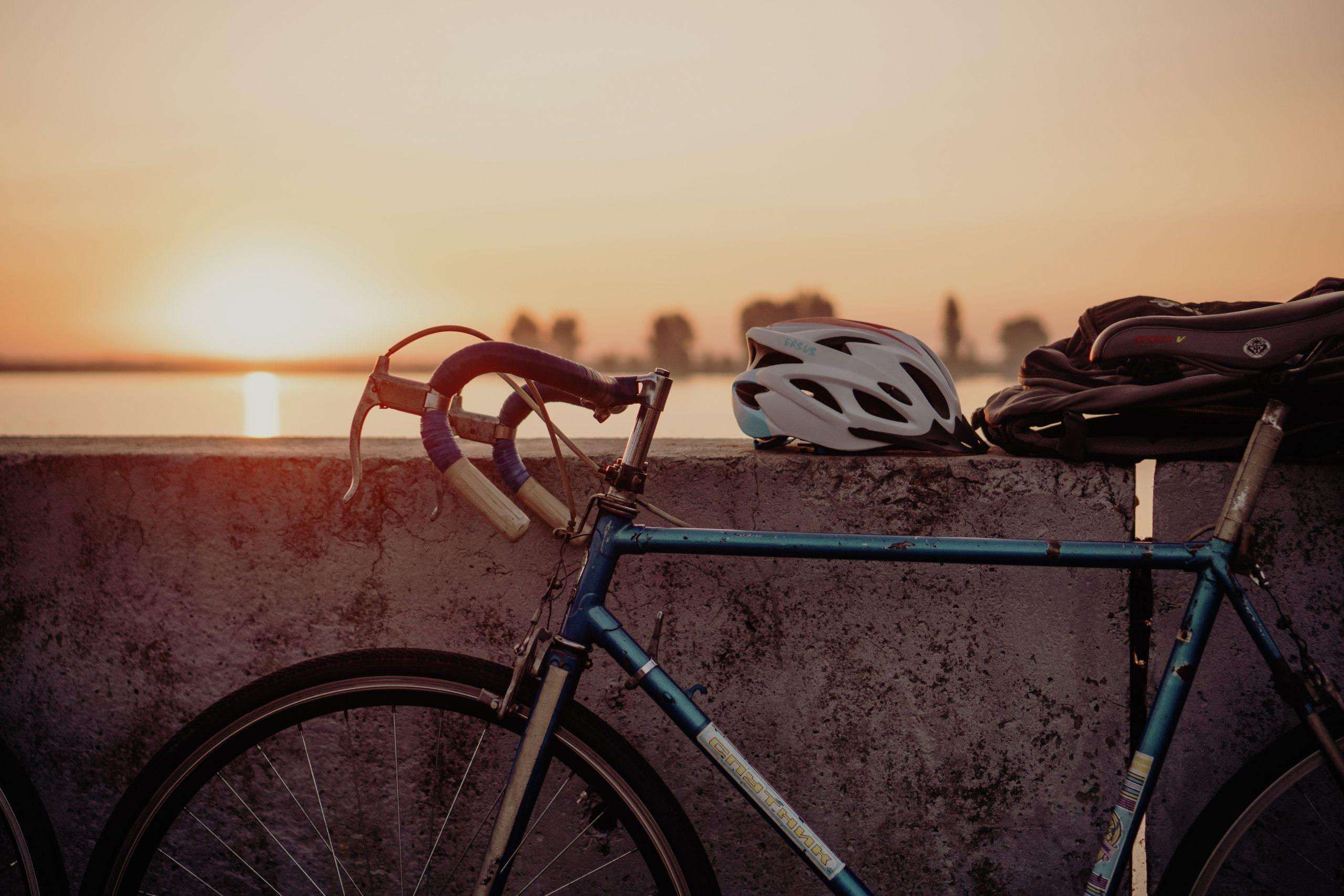 bicicleta atardecer